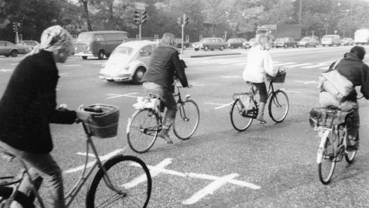 Στα τέλη της δεκαετίας του '60 στη Δανία είχαν 300 ποδηλάτες νεκρούς κάθε χρόνο. Το 2010 τα θύματα ήταν 19.
