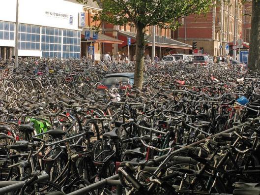 amsterdam-bicycles-photo