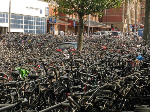 amsterdam-bicycles-photo