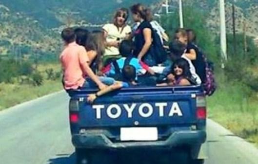 2012 μεταφορά μαθητών στη Θεσπρωτία