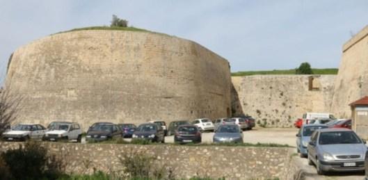 Ιστορία & Πολιτισμός Τα Ενετικά τείχη parking.